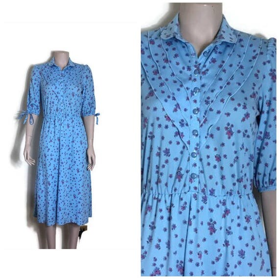 80s light blue tea dress // floral button up dress // festival boho // pretty flroal  dress // button up dress / 50s style small retro dress