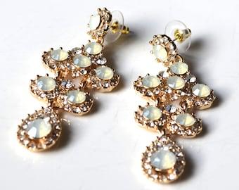 Beige crytal drop earrings
