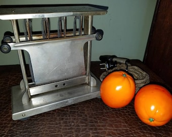 Antique 1915 Kitchen Toaster made by Landers Frary & Clark Universal Working Farmhouse