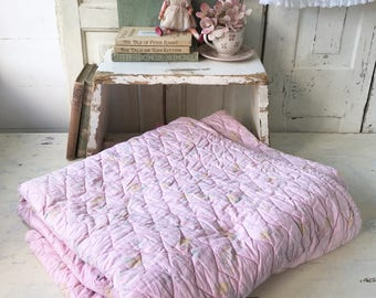 The prettiest pink vintage comfy quilt