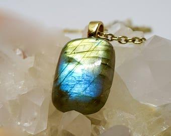 Blue Lightning Labradorite Pendant