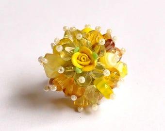 Bague Fleur jaune citron de style shabby chic / romantique / bohème