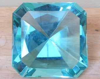 Original Oleg Cassini Crystal Turquoise Blue Diamond Paperweight