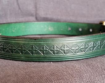 Exceptionally elegant hand stitched and Embossed Large Dog Collar made from real English leather.