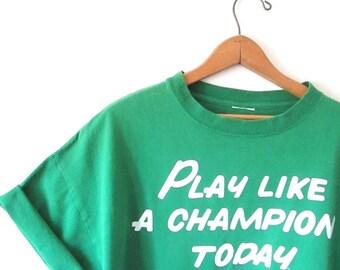 Vintage 1990s NOTRE DAME Play Like a Champion Today Fighting Irish Tshirt Sz L