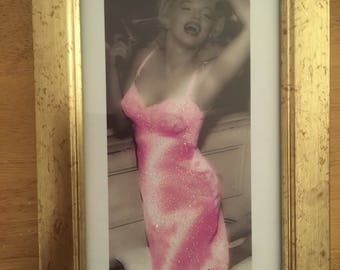 Marilyn Monroe pink glitter dress print in gold frame 6x4""