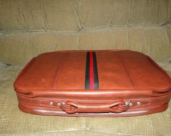 Brand New Tupperware Consultant Reward Luggage Set. NIB..Rare Find