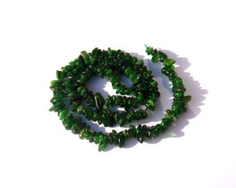 Diopside / Chrome Diopside: 10 chips 4/6 mm in diameter