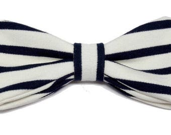 Bow tie striped Navy and cream with straight edges