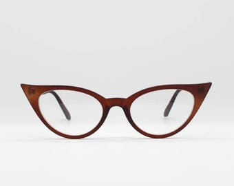1950s vintage style classic cat eye glasses. Brown frame spectacles. Rockabilly eyeglasses. 50's style clear lens prescription optical.