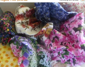 Summer Sale- Cotton Fabric Scraps, Floral Fabric Pieces, Fabric Scraps, Remnants, Scrap Bag, Fast Shipping,F491