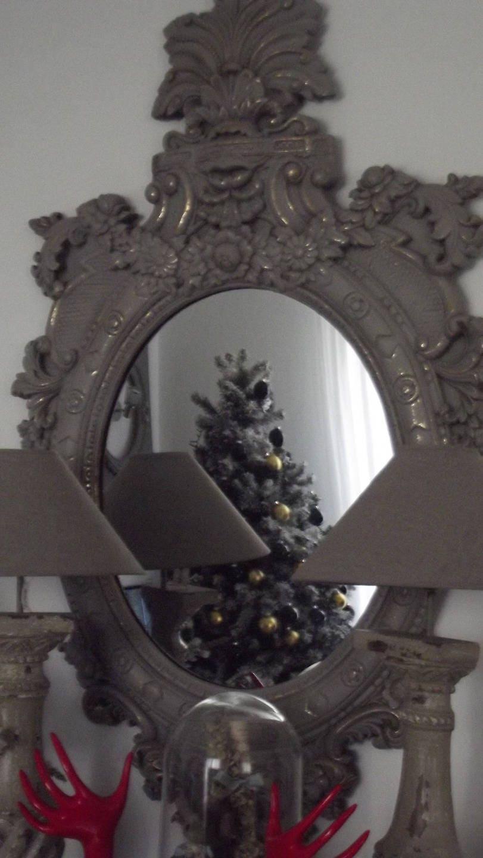 Grand miroir gris rechampi or leger for Grand miroir gris