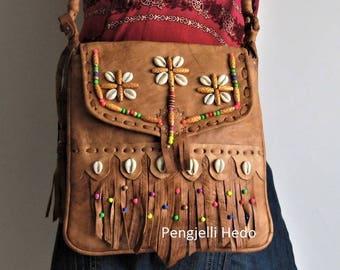 "Vanilla bag ""Haya"" summer caramel leather, beads and shells"