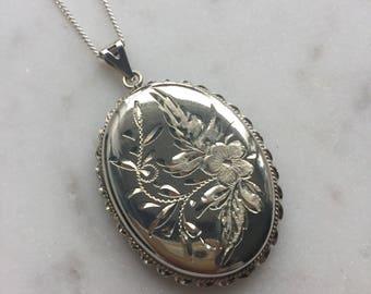 Vintage Sterling Silver Engraved Locket Pendant Necklace