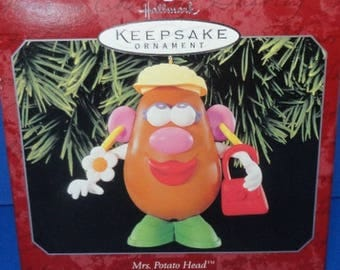 1998 Mrs. Potato Head Hallmark Retired Ornament