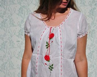 Vintage blouse, vintage top, floral blouse, white blouse, boho blouse, bohemian top, embroidered blouse, rose top