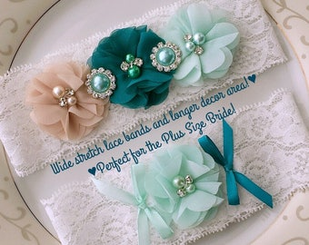 Jessica B - Plus Size Garter Set with Two (2) Pearl Starfish Button Brooches (instead of two Round Faux Pearl and Rhinestone ones)