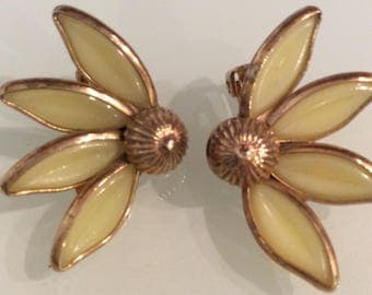 Vintage Crown Trifari Alfred Philippe Poured glass Earrings Clip On Signed 1950s Rare