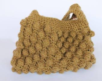 Khaki handbag in crochet with balls