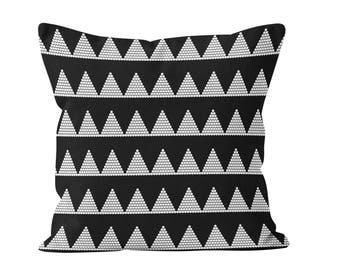 45 colors Triangles and Dots Pillow Cover, Black and White Tribal Throw Cushion Cover, Scandinavian Boho Decor, Geometric Pillow Cover