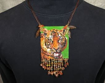 Beaded tiger necklace pendant