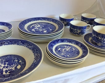 Royal China Blue Willow Willow Ware service for 6