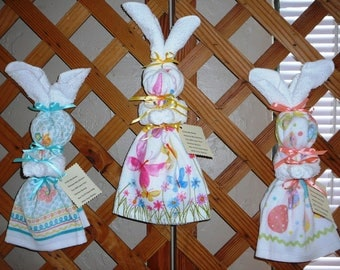 "KITCHEN BUNNIES~""Easter"" ""Spring"" Designs~Handcrafted~Wall Decor"