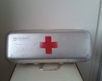 10%Off Medical big vintage aluminum tin box - metal container - paramedic box- medical first aid kit suitcase box