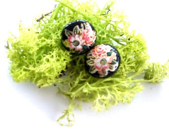 Vintage Floral Cabochon Pierced Earrings / Pretty Little Things / Small Gifts / Vintage 60's Jewelry