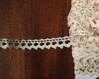 Very big lot of antique lace 31m + 42m70cm -1,5cm large