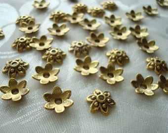 NEW! 30 Antique Gold Finish Little Retro Flower Caps. 9x3mm 6 Petals. Solid Cast ~USPS Ship Rates from Oregon