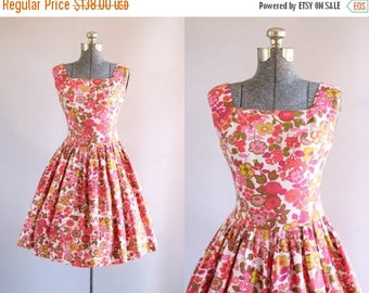 BIRTHDAY SALE... Vintage 1950s Dress / 50s Sun Dress / Pink Red and Green Floral Dress w/ Semi Drop Waist S