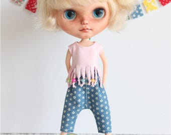 Outfit for Blythe  summer set. T-shirt and trousers, dress/clothes
