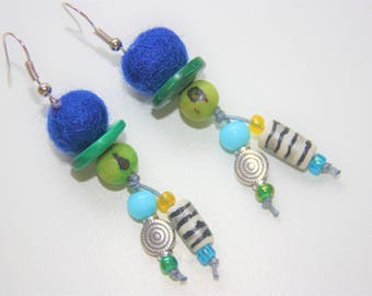 """Collection of the world """"Quechua"""" blue & green earrings"""