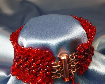Tulip-Herringbone Woven Beaded Bracelet