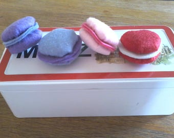 Set of 4 macarons in felt for dinette