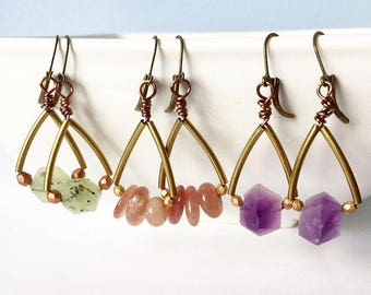 Natural stone earrings. You choose ruby, amethyst or green quartz