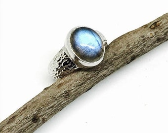 10% Labradorite, moonstone ring set in Sterling silver. Size - 6. Natural authentic stone . Nice blue color