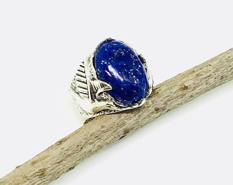 10% Lapis lazuli ring set in Sterling silver 925. Size -8. Natural authentic lapis lazuli stone.