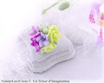Ring romantic spring bouquet
