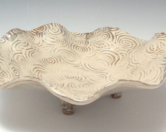 Textured Ceramic bowl with wavy edge