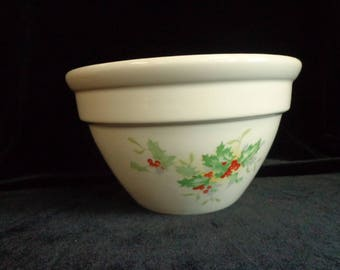 HALL Pottery Bowl Berries and Holly Leaves Pattern, 1950s Pottery Mixing Bowl