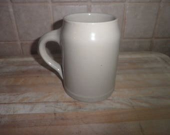 Vintage 5 1/4 inch pottery coffee mug