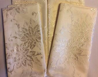 St Nicholas Square Cloth Napkins - Set of 4