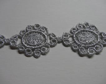 Ribbon lace guipure grey silver pattern 20cm