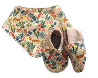 Jungle Baby Shoes and Bandana Gift Set