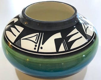 Vintage Signed Original Ute Mountain Tribe Pottery Bowl By L. Watts