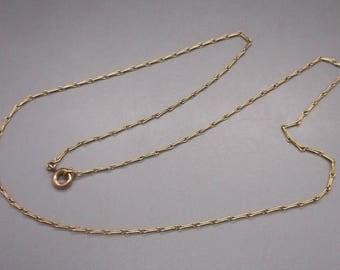 Gorgeous Vintage 18 Carat Gold Chain.