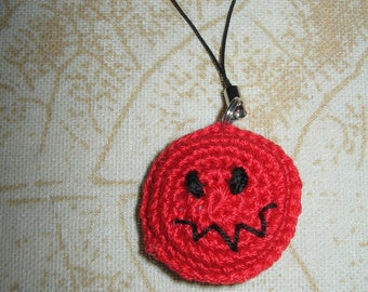 """Keychain made of crochet pattern """"VisageRouge"""""""