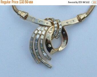 Half off Trifari Pat Pend 1953 necklace gold tone baguette rhinestones AA478